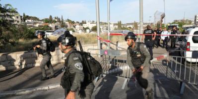 القوات الإسرائيلية تعتدي بالضرب على شبان فلسطينيين بساحة باب العامود وتخليها قبيل بدء مسيرة الأعلام
