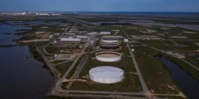 ارتفاع أسعار النفط مع تراجع المخزونات الأمريكية