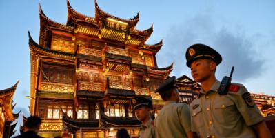 من بلد مثقل بالديون إلى قاطرة الاقتصاد العالمي.. أهم إنجازات التنين الصيني