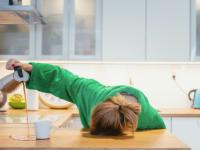 5 أسباب شائعة للإرهاق والتعب وكيفية تحسين مستويات الطاقة لديك