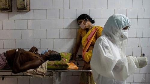 معدلات الإصابات اليومية بفيروس كورونا تعاود الارتفاع في الهند