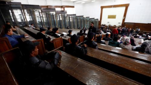 """مصر.. النقض تؤيد المؤبد والمشدد في التخابر مع """"حماس"""" على بديع والشاطر وآخرين"""
