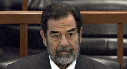 دروع صدام حسين البشرية يريدون أن تعترف بريطانيا بجريمتها