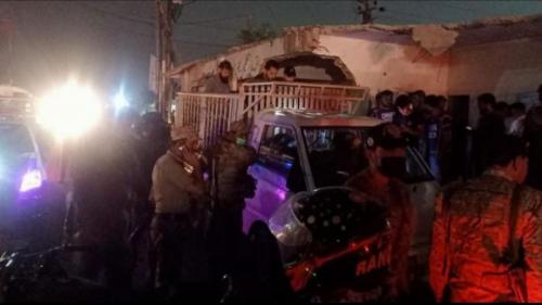 بينهم نساء وأطفال.. قتلى بهجوم استهدف أشخاصًا عائدين من زفاف في كراتشي