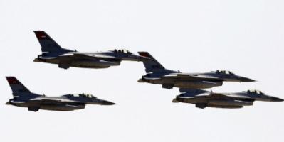 القوات الجوية المصرية واليونانية تنفذ تدريبا بإحدى القواعد في أثينا