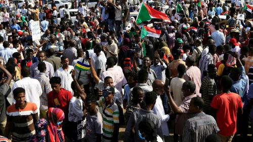 البنك الدولي يعلق مساعدته للسودان بعد انقلاب الجيش على الحكومة
